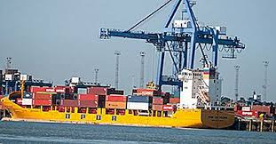 Le Royaume-Uni débloque des fonds pour ses ports Quelle que soit l'issue des négociations entre Londres et Bruxelles à propos du Brexit, le Royaume-Uni veut améliorer ses infrastructures portuaires