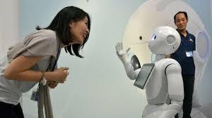 AU JAPON UN ROBOT FAIT RESPECTER LES GESTES BARRIÈRES POUR LUTTER CONTRE LE CONVID-19